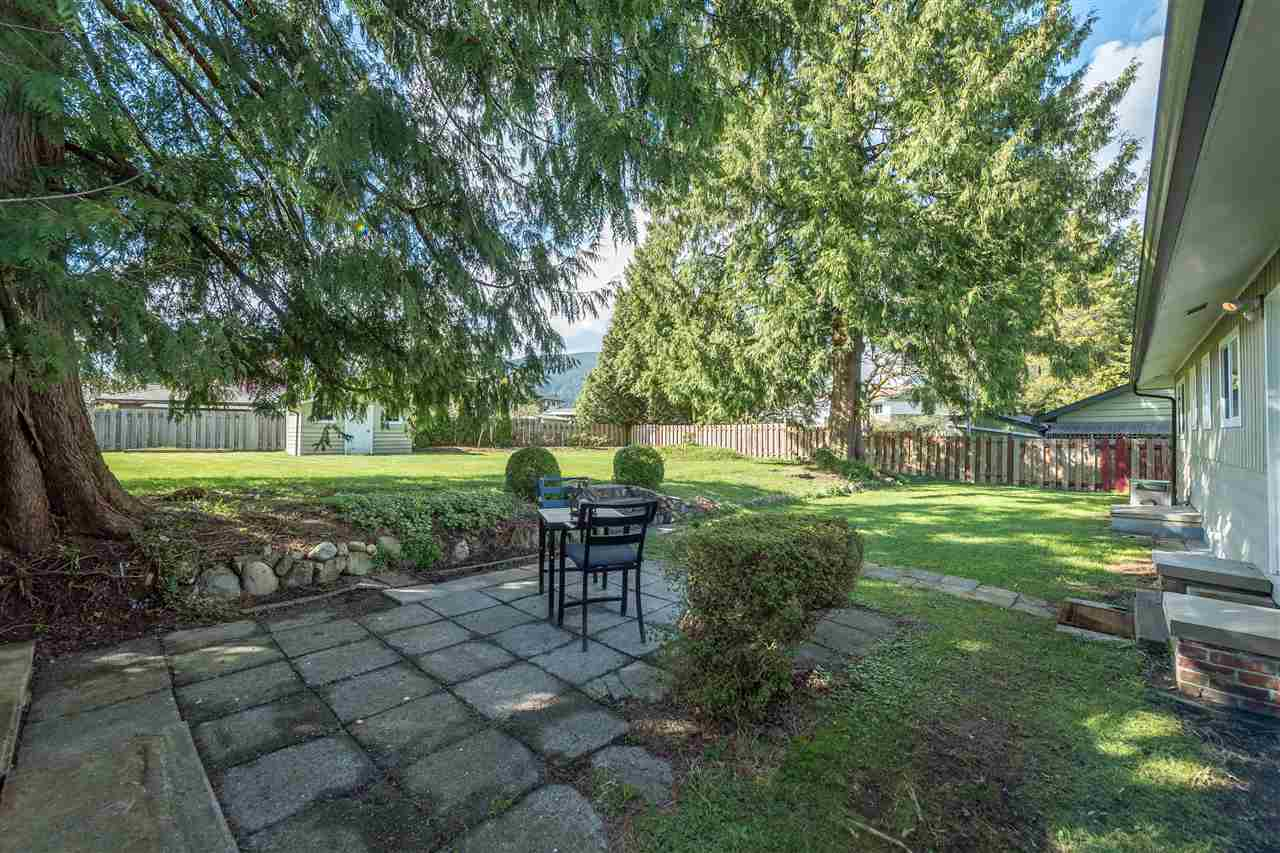 Photo 17: 2479 LAURALYNN Drive in North Vancouver: Westlynn House for sale : MLS(r) # R2158563