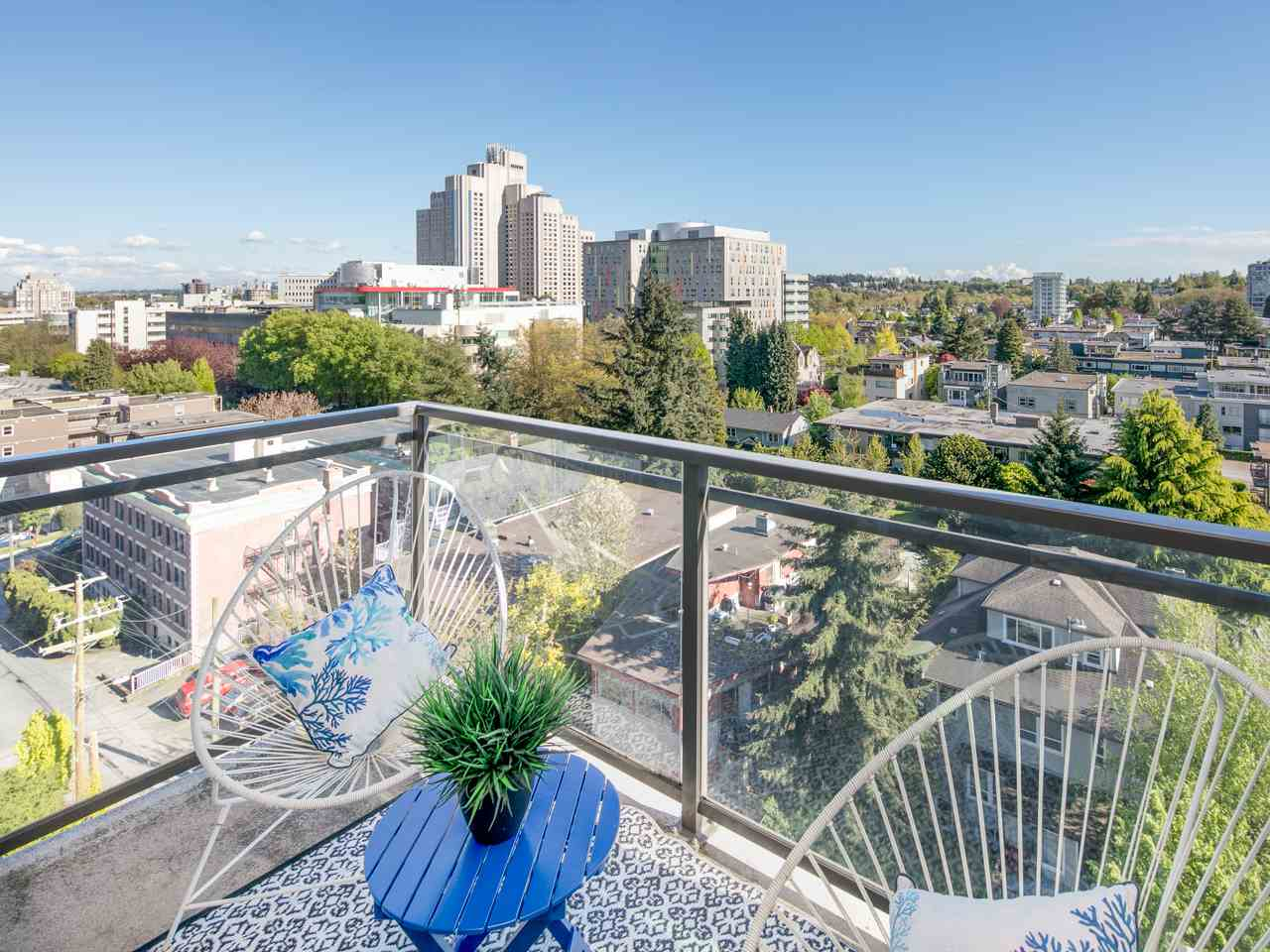 "Main Photo: 1202 1068 W BROADWAY in Vancouver: Fairview VW Condo for sale in ""The Zone"" (Vancouver West)  : MLS(r) # R2163759"