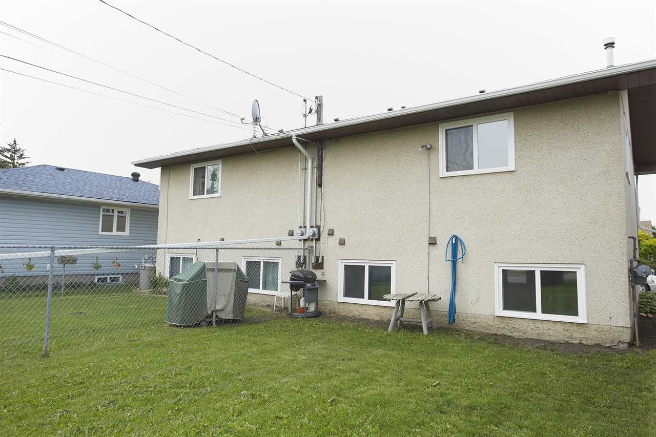 Photo 15: 10305/07 157 Street in Edmonton: Zone 21 House Duplex for sale : MLS(r) # E4063061