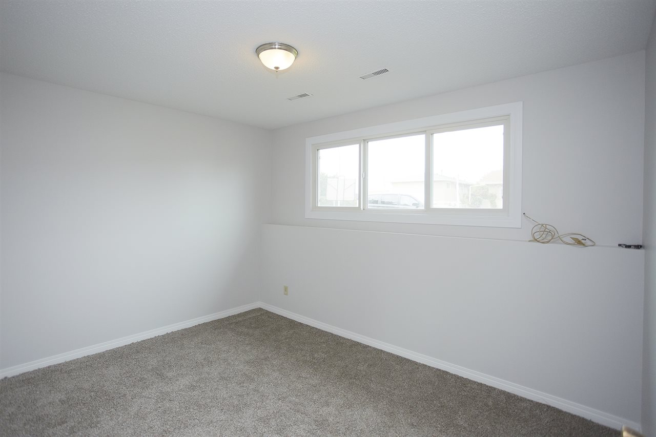 Photo 11: 10305/07 157 Street in Edmonton: Zone 21 House Duplex for sale : MLS(r) # E4063061