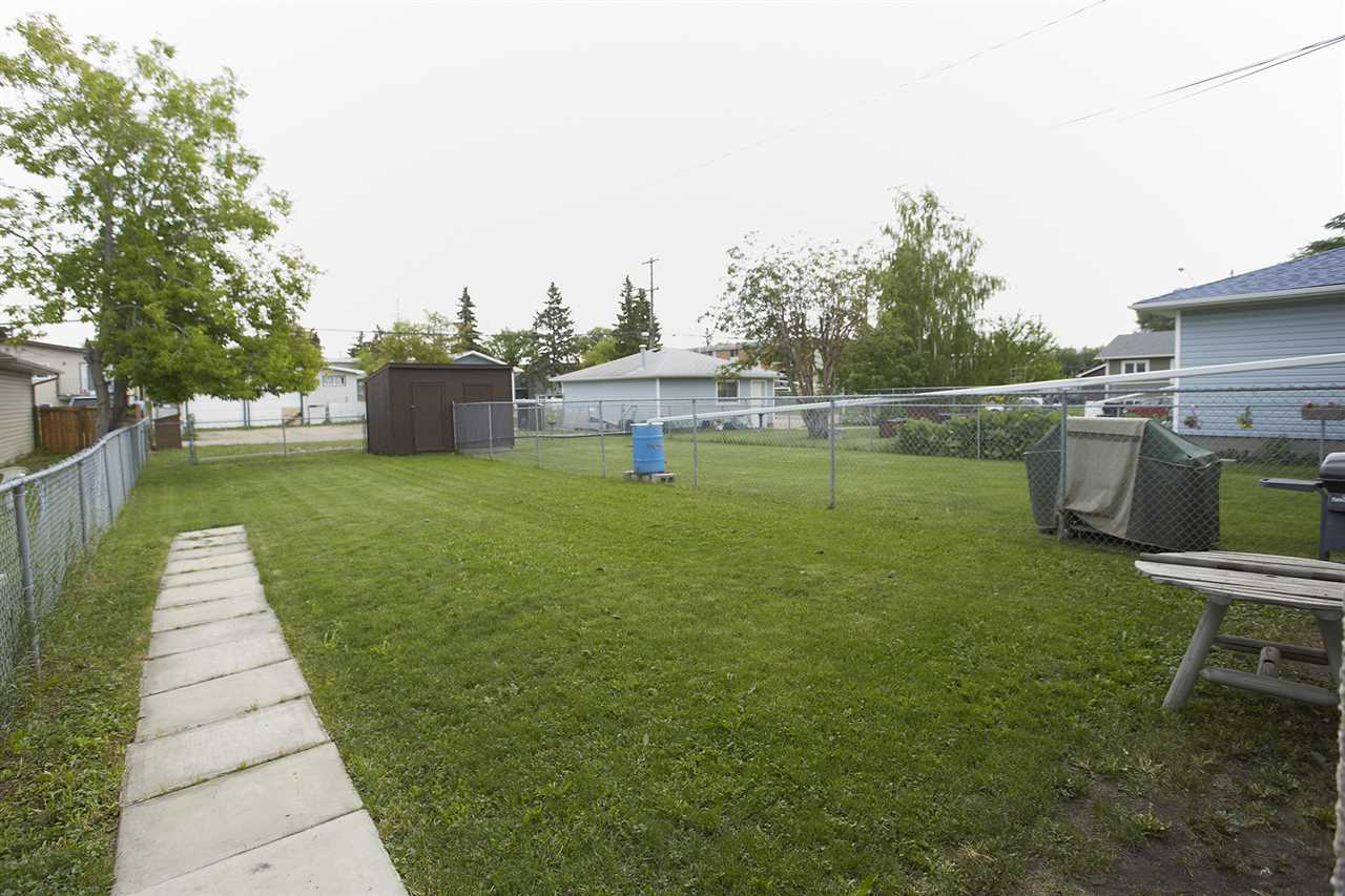 Photo 14: 10305/07 157 Street in Edmonton: Zone 21 House Duplex for sale : MLS(r) # E4063061