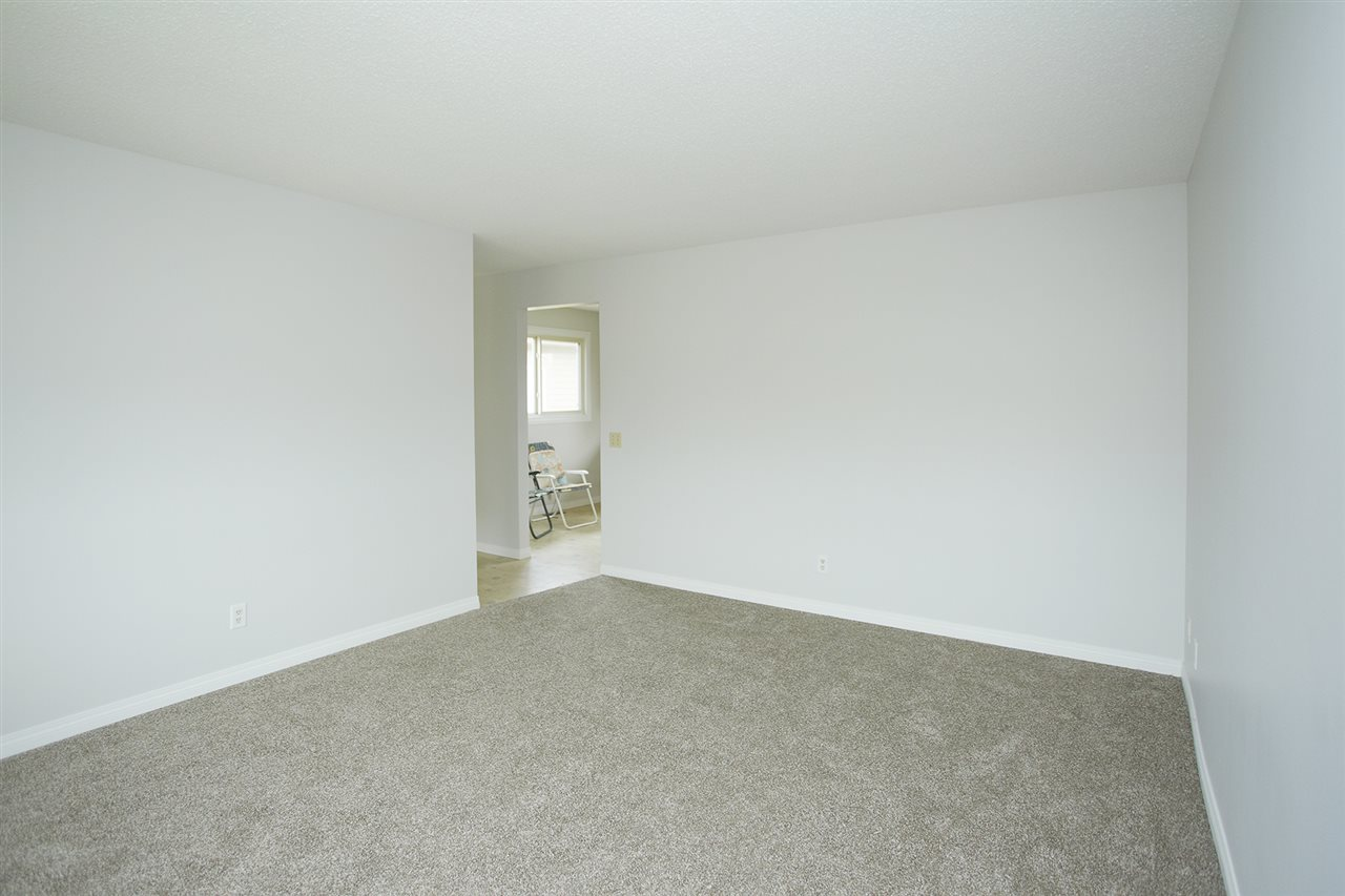 Photo 7: 10305/07 157 Street in Edmonton: Zone 21 House Duplex for sale : MLS(r) # E4063061