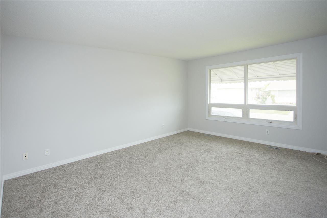 Photo 6: 10305/07 157 Street in Edmonton: Zone 21 House Duplex for sale : MLS(r) # E4063061