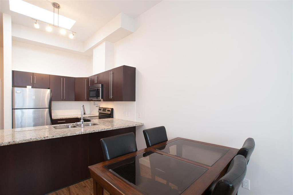 Photo 3: 411 7655 Edmonds Street in Burnaby: Highgate Condo for sale (Burnaby South)  : MLS(r) # R2162563