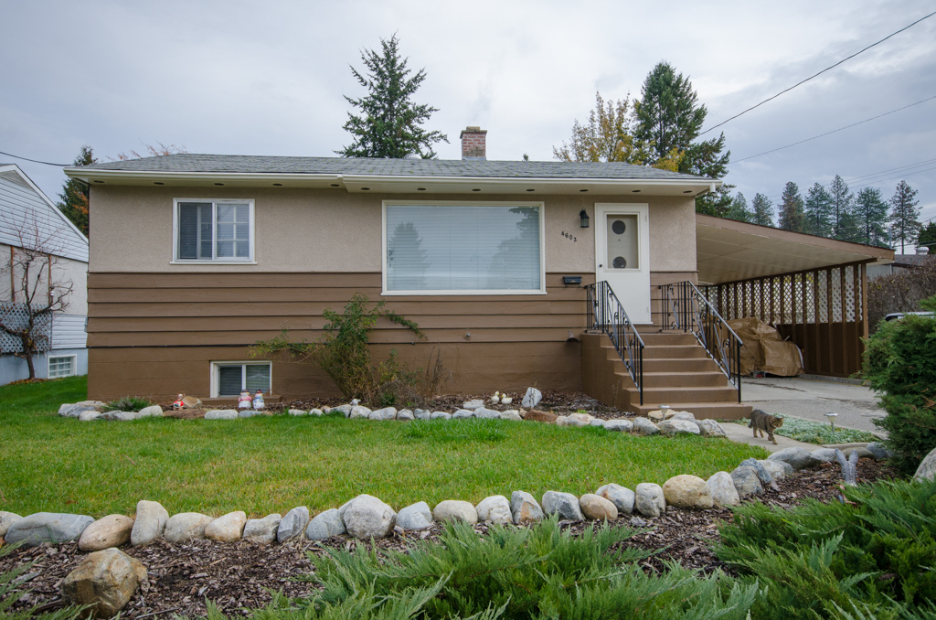 Photo 3: 4603 17th Street in Vernon: Harwood House for sale (North Okanagan)