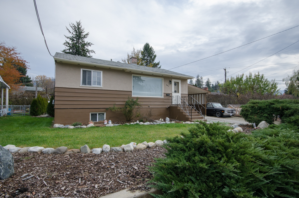 Photo 2: 4603 17th Street in Vernon: Harwood House for sale (North Okanagan)