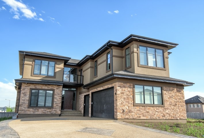 Main Photo: 4126 CAMERON HEIGHTS Point in Edmonton: Zone 20 House for sale : MLS® # E4066082