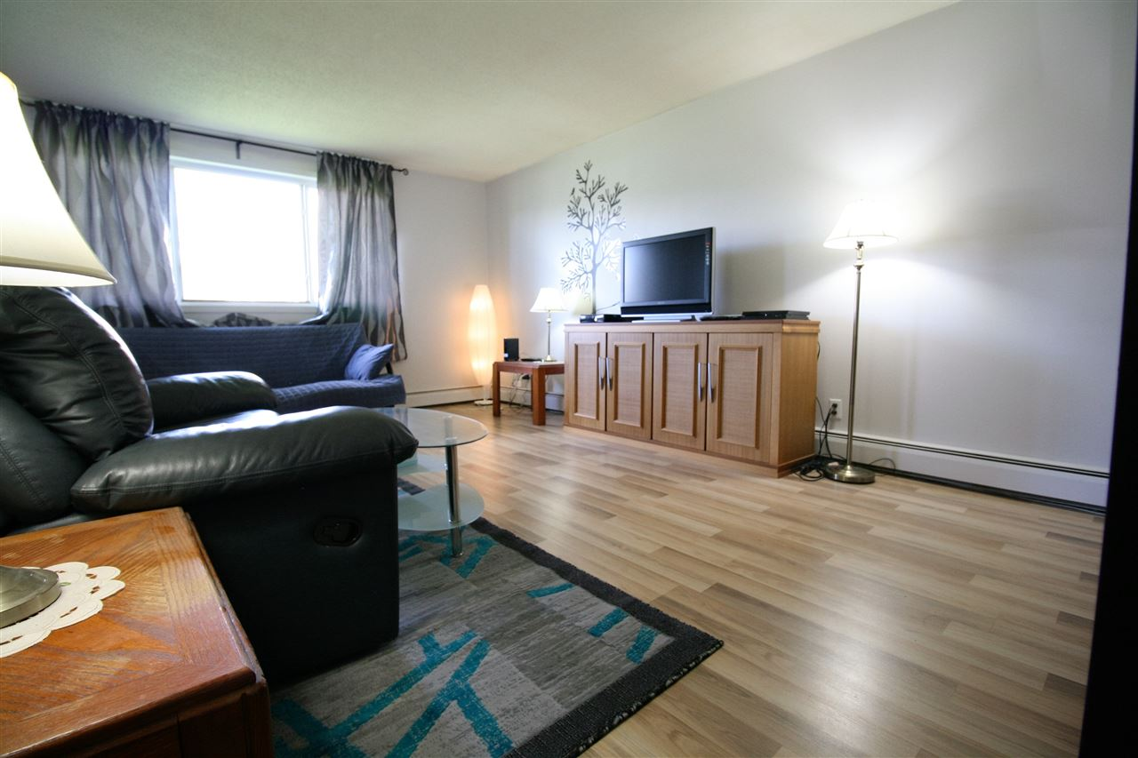Main Photo: 101 10035 164 Street in Edmonton: Zone 22 Condo for sale : MLS(r) # E4069904