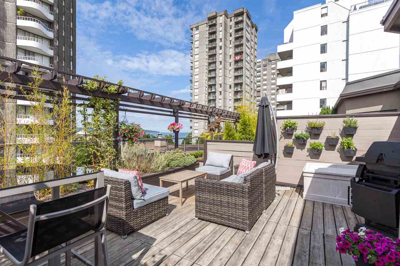 "Photo 2: 409 1106 PACIFIC Street in Vancouver: West End VW Condo for sale in ""Westgate landing"" (Vancouver West)  : MLS® # R2188911"