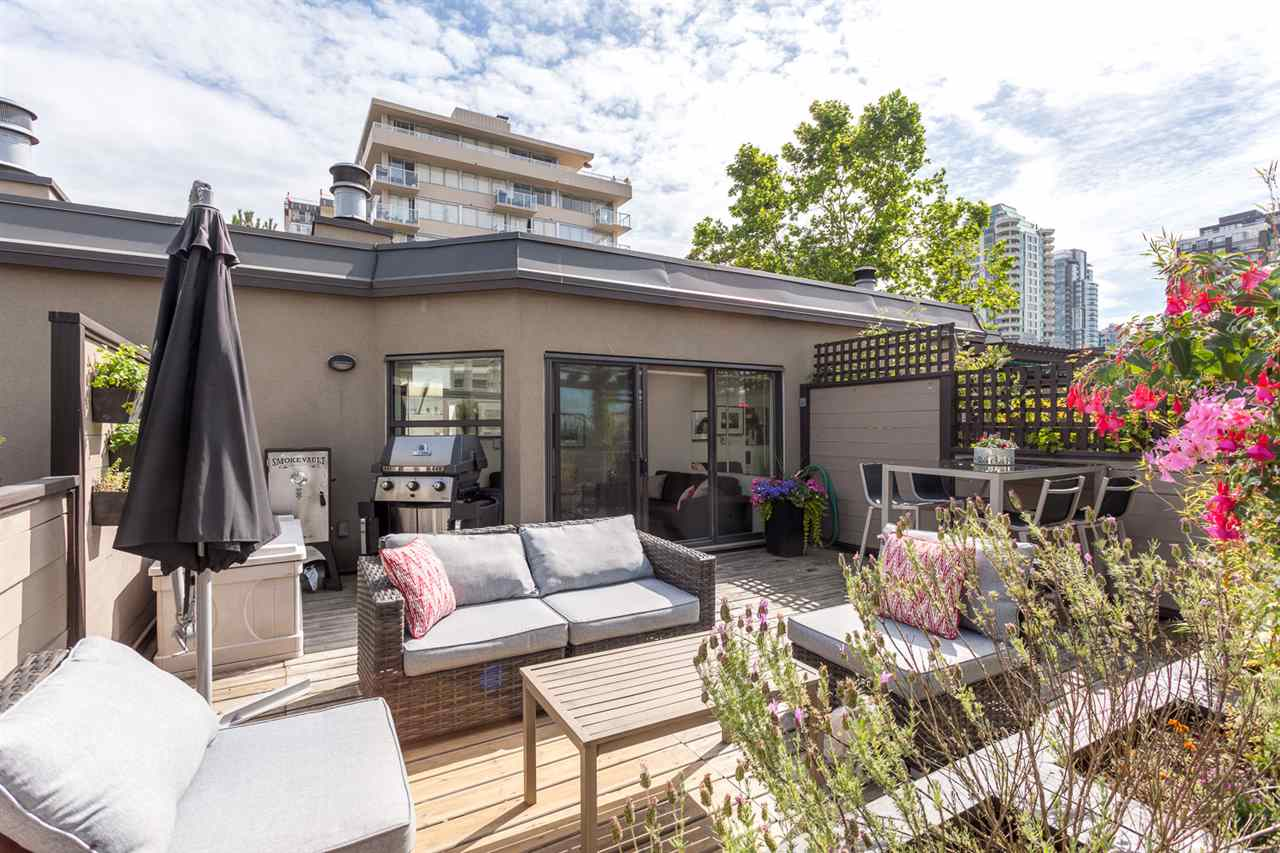 "Main Photo: 409 1106 PACIFIC Street in Vancouver: West End VW Condo for sale in ""Westgate landing"" (Vancouver West)  : MLS® # R2188911"