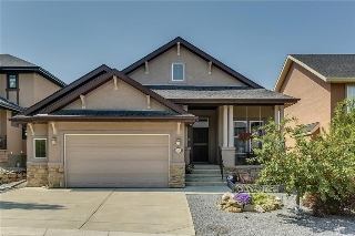 Main Photo: 68 CRESTRIDGE Way SW in Calgary: Crestmont House for sale : MLS® # C4128621