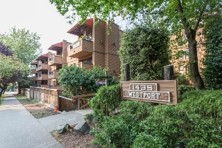 "Main Photo: 212 1435 NELSON Street in Vancouver: West End VW Condo for sale in ""Westport"" (Vancouver West)  : MLS® # R2195195"