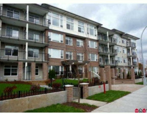 "Main Photo: 310 46150 BOLE Avenue in Chilliwack: Chilliwack N Yale-Well Condo for sale in ""NEWMARK"" : MLS®# R2199901"