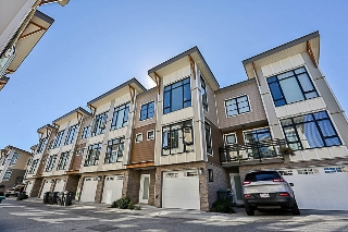 "Main Photo: 55 9989 E BARNSTON Drive in Surrey: Fraser Heights Townhouse for sale in ""HIGHCREST"" (North Surrey)  : MLS® # R2210824"