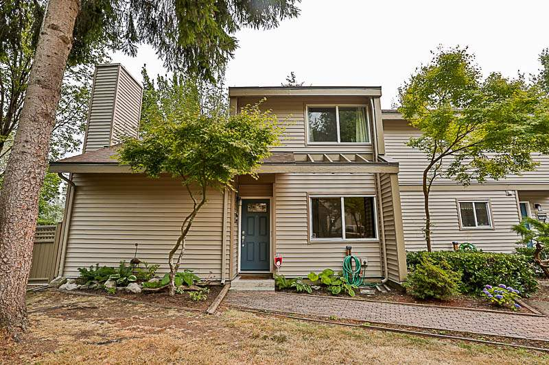 Main Photo: 6166 W GREENSIDE DRIVE in Surrey: Cloverdale BC Townhouse for sale (Cloverdale)  : MLS®# R2193459