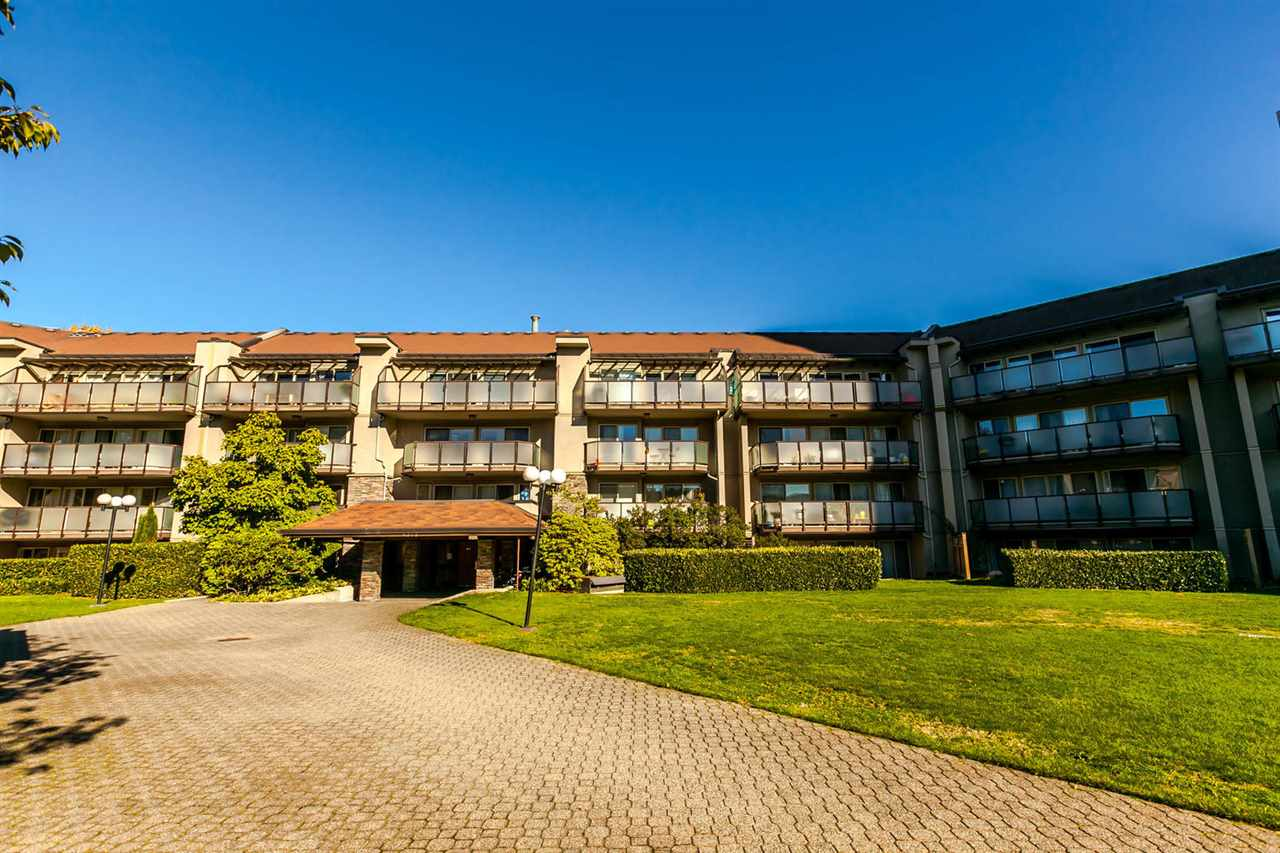 "Main Photo: 425 4373 HALIFAX Street in Burnaby: Brentwood Park Condo for sale in ""Brent Gardens"" (Burnaby North)  : MLS® # R2216919"