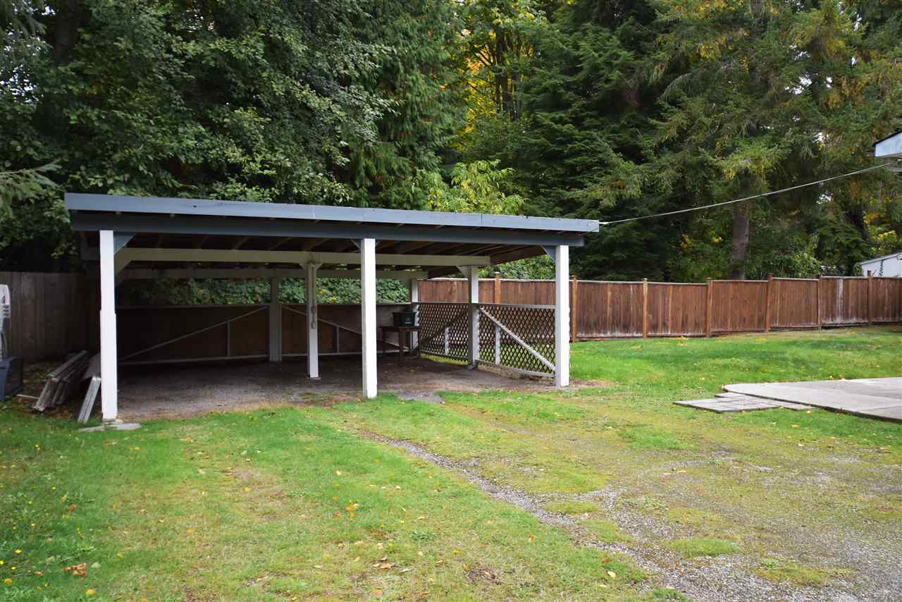 "Photo 15: Photos: 4516 HUPIT Street in Sechelt: Sechelt District Manufactured Home for sale in ""TSAWCOME PROPERTIES"" (Sunshine Coast)  : MLS®# R2217555"