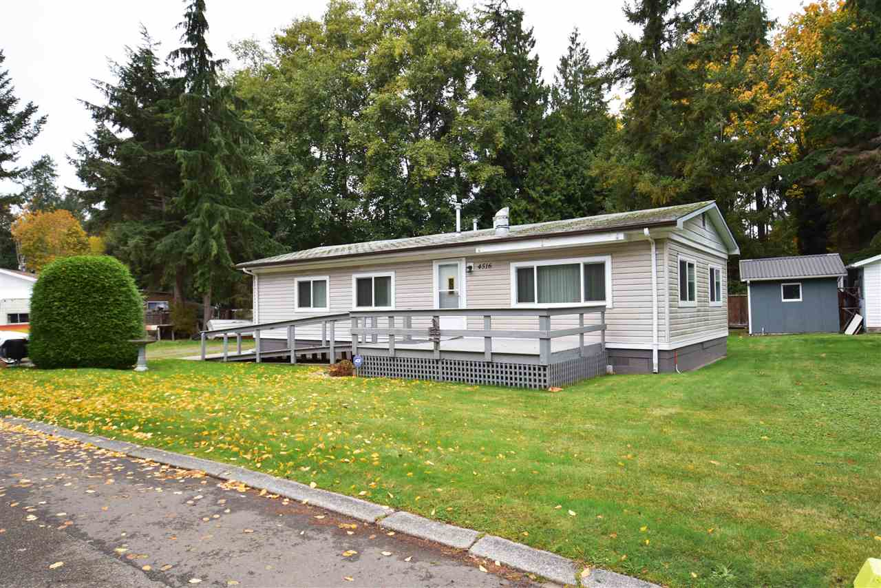 "Main Photo: 4516 HUPIT Street in Sechelt: Sechelt District Manufactured Home for sale in ""TSAWCOME PROPERTIES"" (Sunshine Coast)  : MLS® # R2217555"