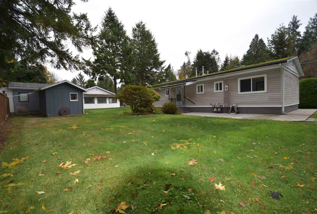"Photo 13: Photos: 4516 HUPIT Street in Sechelt: Sechelt District Manufactured Home for sale in ""TSAWCOME PROPERTIES"" (Sunshine Coast)  : MLS®# R2217555"