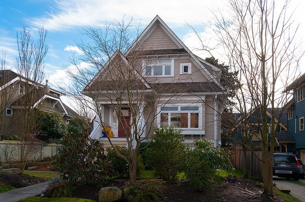 Main Photo: 2316 W 5TH Avenue in Vancouver: Kitsilano House 1/2 Duplex for sale (Vancouver West)  : MLS® # V1058971
