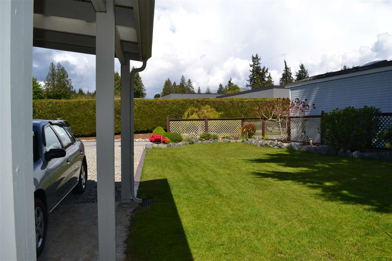Photo 17: Photos: 9 5575 MASON Road in Sechelt: Sechelt District Manufactured Home for sale (Sunshine Coast)  : MLS®# R2016451