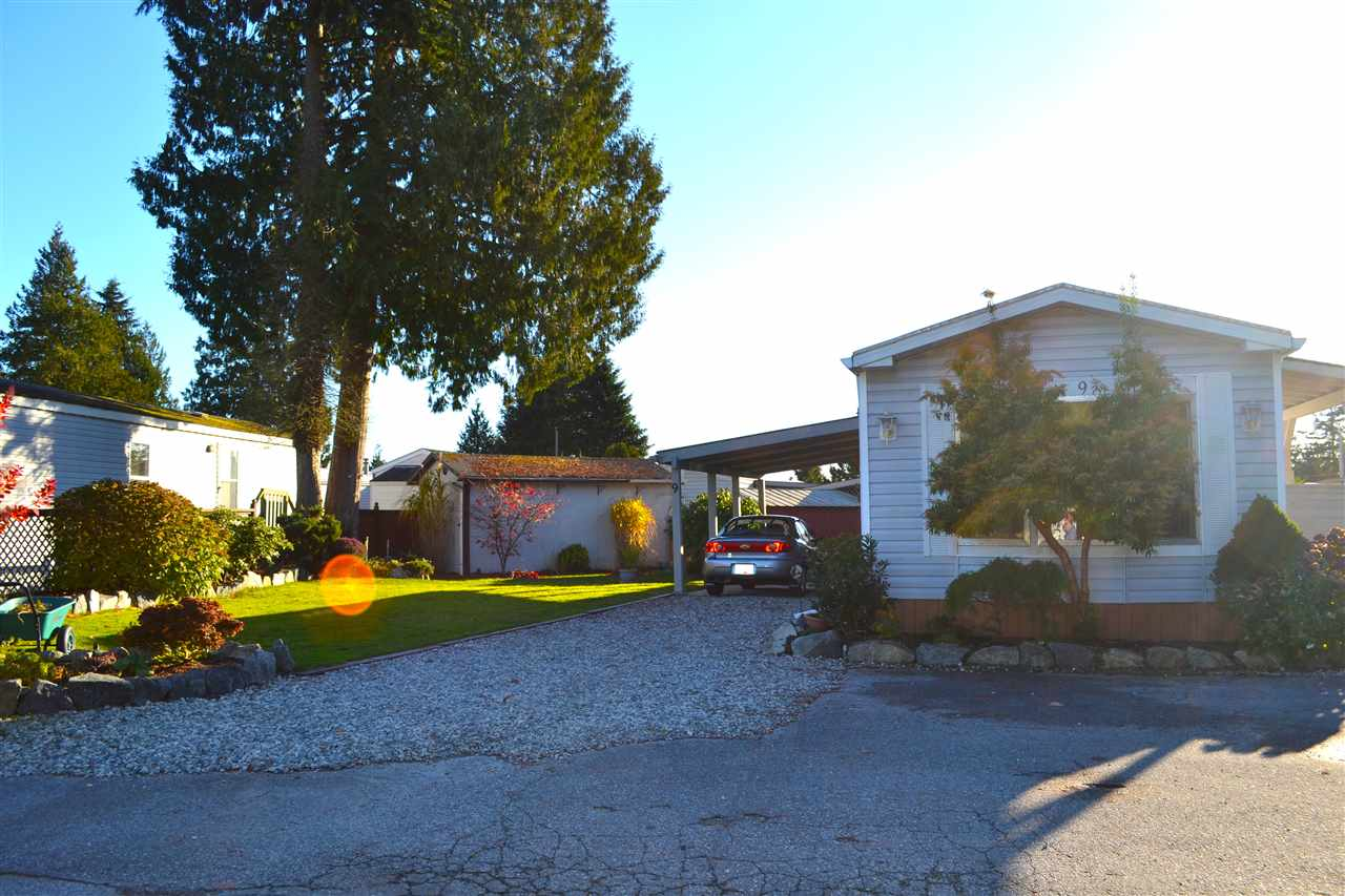 Photo 1: Photos: 9 5575 MASON Road in Sechelt: Sechelt District Manufactured Home for sale (Sunshine Coast)  : MLS®# R2016451