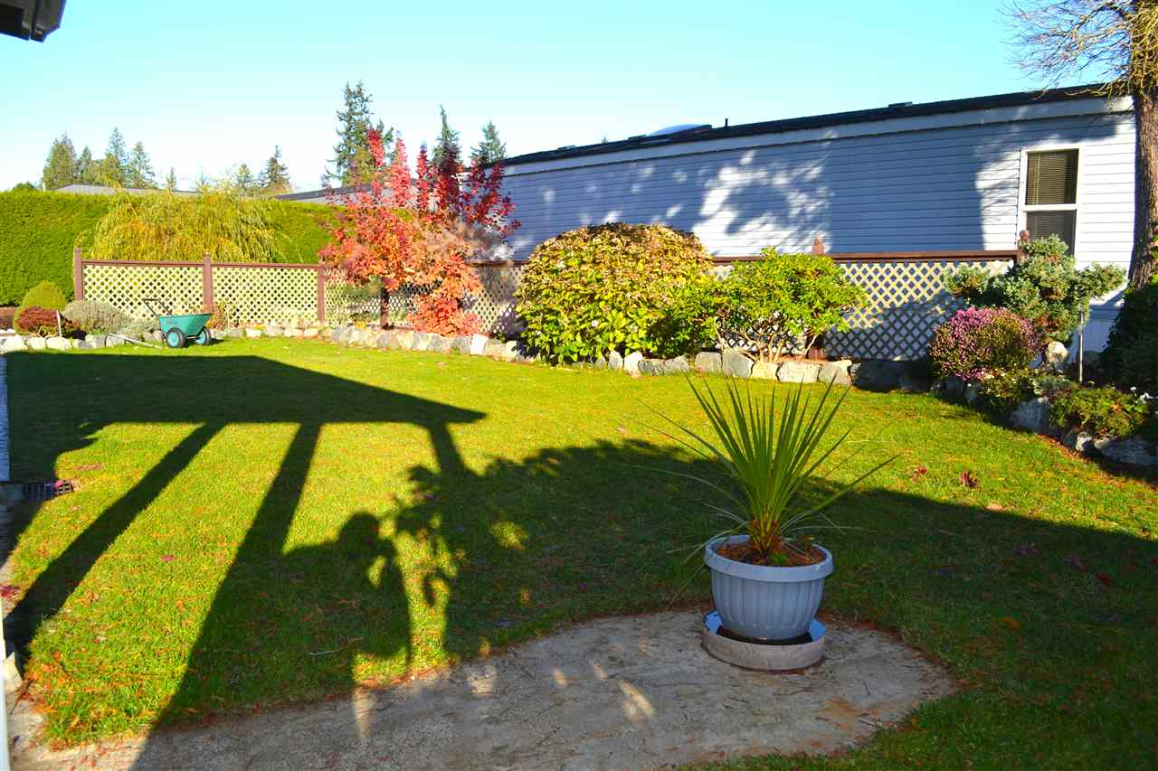 Photo 12: Photos: 9 5575 MASON Road in Sechelt: Sechelt District Manufactured Home for sale (Sunshine Coast)  : MLS®# R2016451