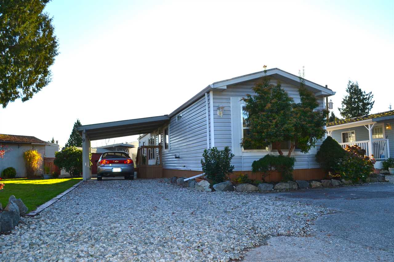 Photo 4: Photos: 9 5575 MASON Road in Sechelt: Sechelt District Manufactured Home for sale (Sunshine Coast)  : MLS®# R2016451