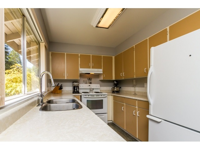 "Photo 16: 1172 CHATEAU Place in Port Moody: College Park PM Townhouse for sale in ""CHATEAU PLACE"" : MLS® # R2056264"