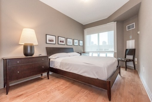 Photo 7: 2910 300 E Bloor Street in Toronto: Rosedale-Moore Park Condo for sale (Toronto C09)  : MLS(r) # C3505793