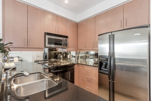 Photo 6: 2910 300 E Bloor Street in Toronto: Rosedale-Moore Park Condo for sale (Toronto C09)  : MLS(r) # C3505793