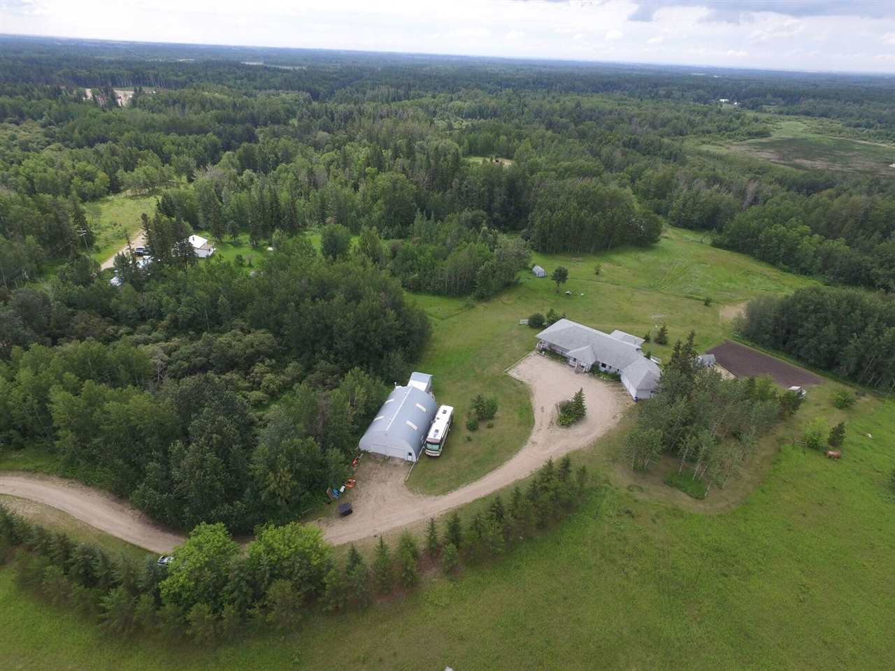 Main Photo: 51308A RGE RD 263A RD: Rural Parkland County House for sale : MLS(r) # E4028432
