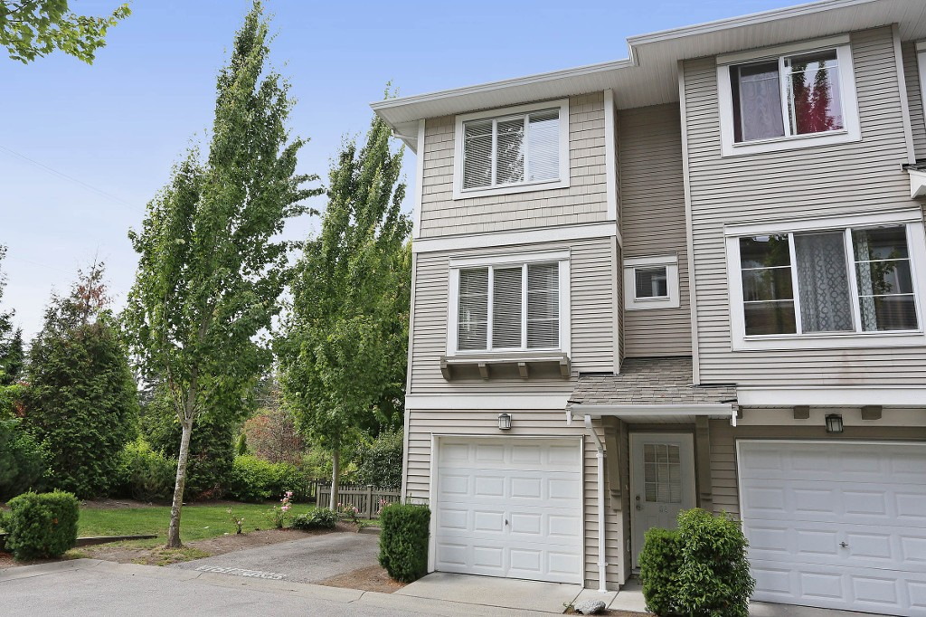 "Main Photo: 54 15155 62A Avenue in Surrey: Sullivan Station Townhouse for sale in ""Oaklands"" : MLS(r) # R2089454"