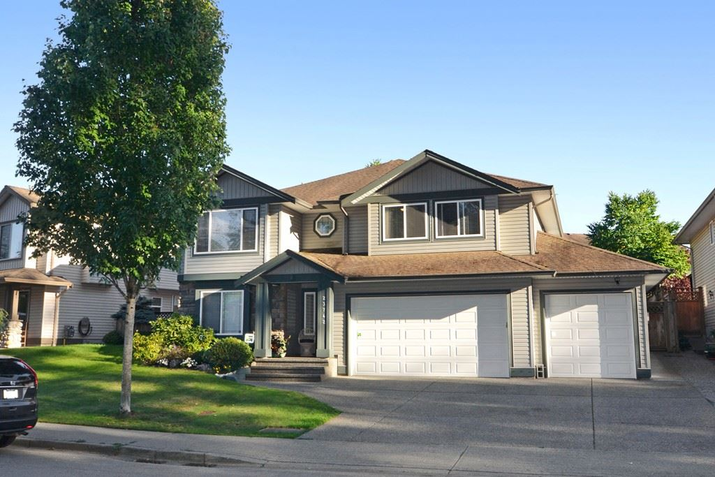 Main Photo: 23742 116 Avenue in Maple Ridge: Cottonwood MR House for sale : MLS(r) # R2108075