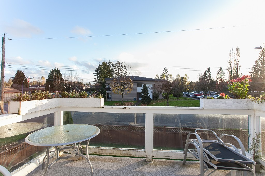 Photo 10: 27303 29 Avenue in Langley: Aldergrove Langley House for sale : MLS® # R2124202