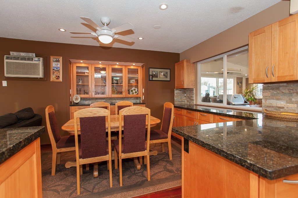 Photo 14: 27303 29 Avenue in Langley: Aldergrove Langley House for sale : MLS® # R2124202