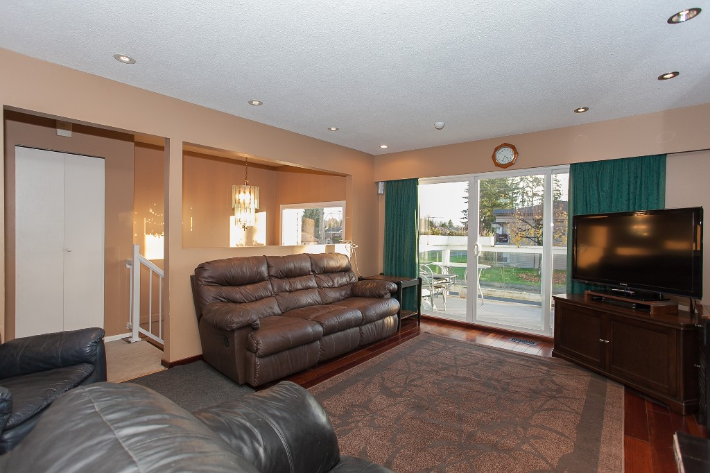 Photo 9: 27303 29 Avenue in Langley: Aldergrove Langley House for sale : MLS® # R2124202