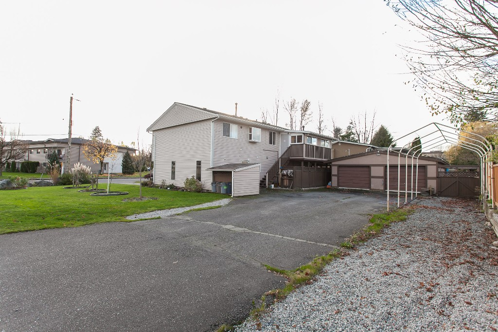 Photo 44: 27303 29 Avenue in Langley: Aldergrove Langley House for sale : MLS® # R2124202