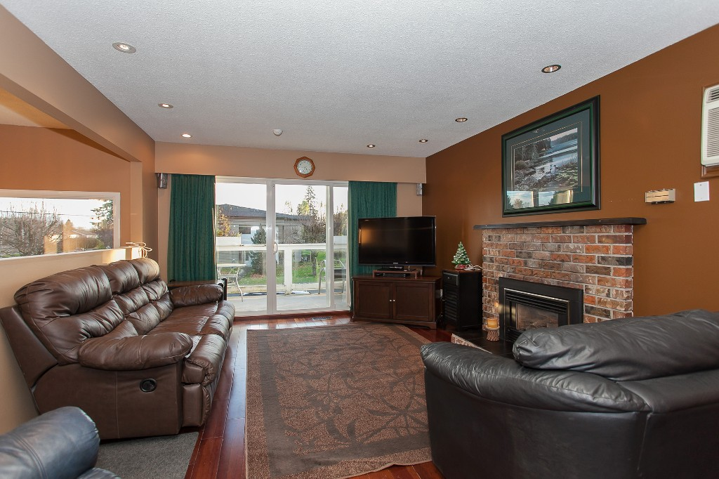 Photo 8: 27303 29 Avenue in Langley: Aldergrove Langley House for sale : MLS® # R2124202