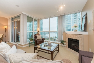"Main Photo: 1106 189 NATIONAL Avenue in Vancouver: Mount Pleasant VE Condo for sale in ""Sussex"" (Vancouver East)  : MLS(r) # R2132012"