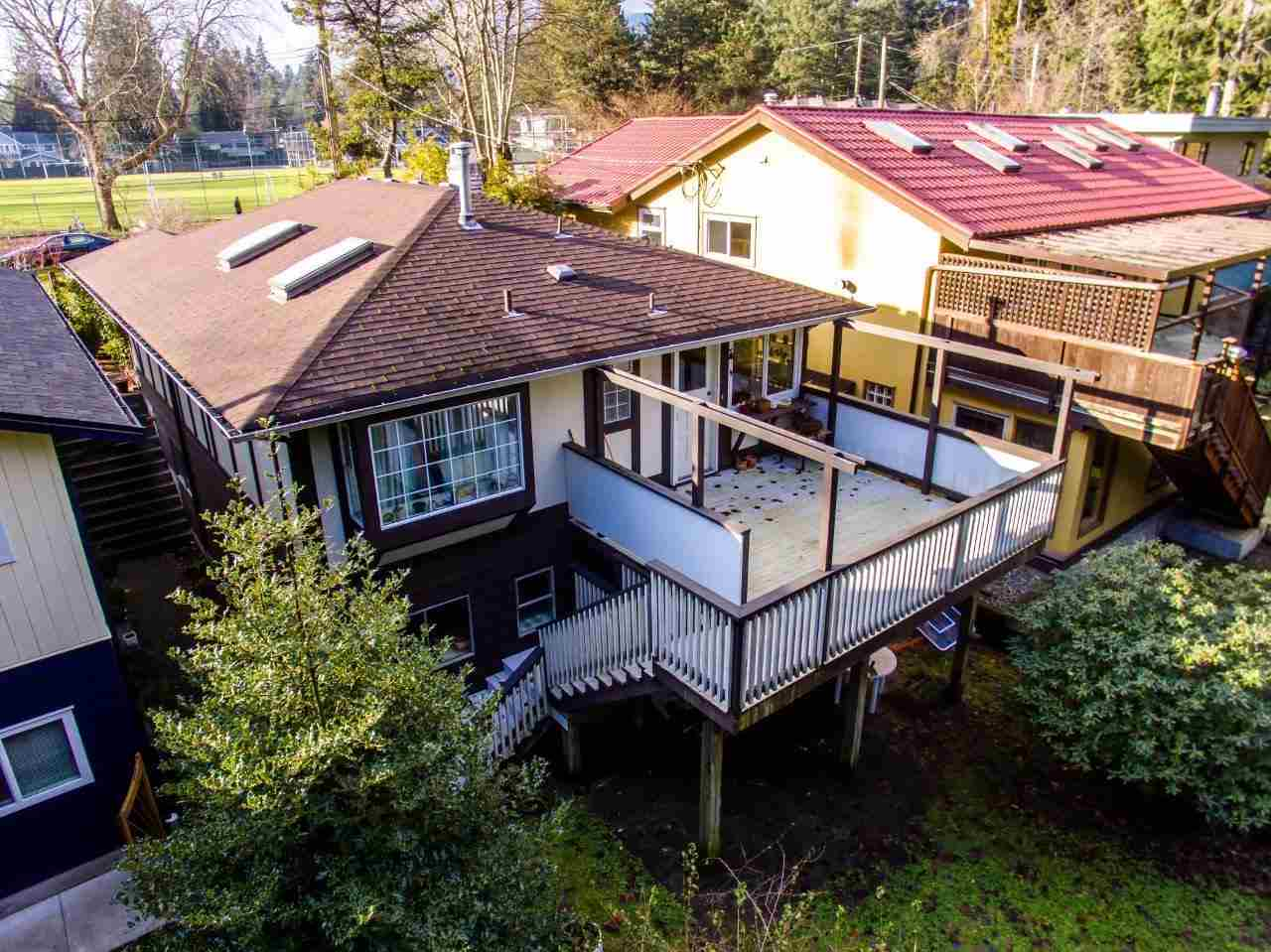 "Photo 11: 2332 MACKAY Avenue in North Vancouver: Pemberton Heights House for sale in ""PEMBERTON HEIGHTS"" : MLS(r) # R2155048"