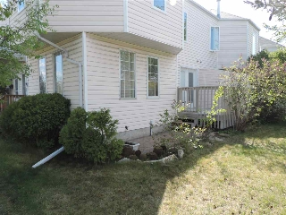 Main Photo: 2006 MILL WOODS Road E in Edmonton: Zone 29 Townhouse for sale : MLS(r) # E4065354