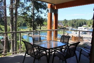 "Main Photo: 18C 12849 LAGOON Road in Pender Harbour: Pender Harbour Egmont Townhouse for sale in ""PAINTED BOAT RESORT"" (Sunshine Coast)  : MLS® # R2179381"
