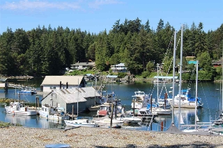 "Main Photo: 18C 12849 LAGOON Road in Pender Harbour: Pender Harbour Egmont Townhouse for sale in ""PAINTED BOAT RESORT"" (Sunshine Coast)  : MLS(r) # R2179381"