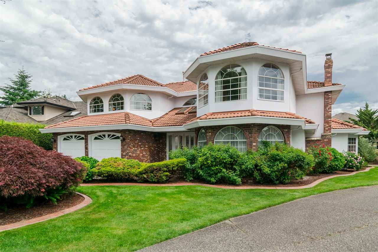 Photo 2: 10446 WILLOW Grove in Surrey: Fraser Heights House for sale (North Surrey)  : MLS® # R2187119