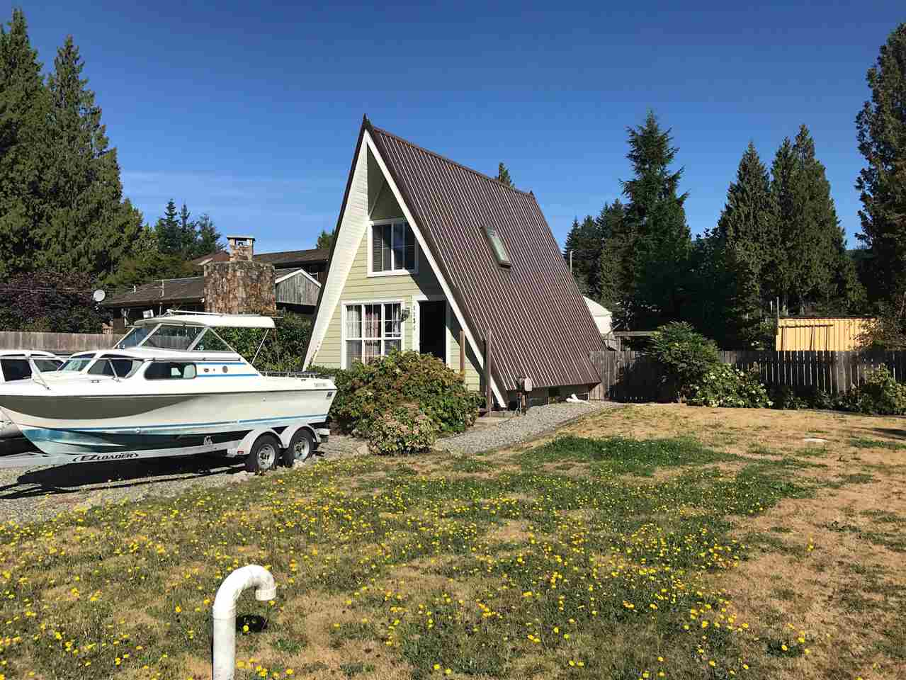 Main Photo: 1134 CHASTER Road in Gibsons: Gibsons & Area House for sale (Sunshine Coast)  : MLS®# R2205007