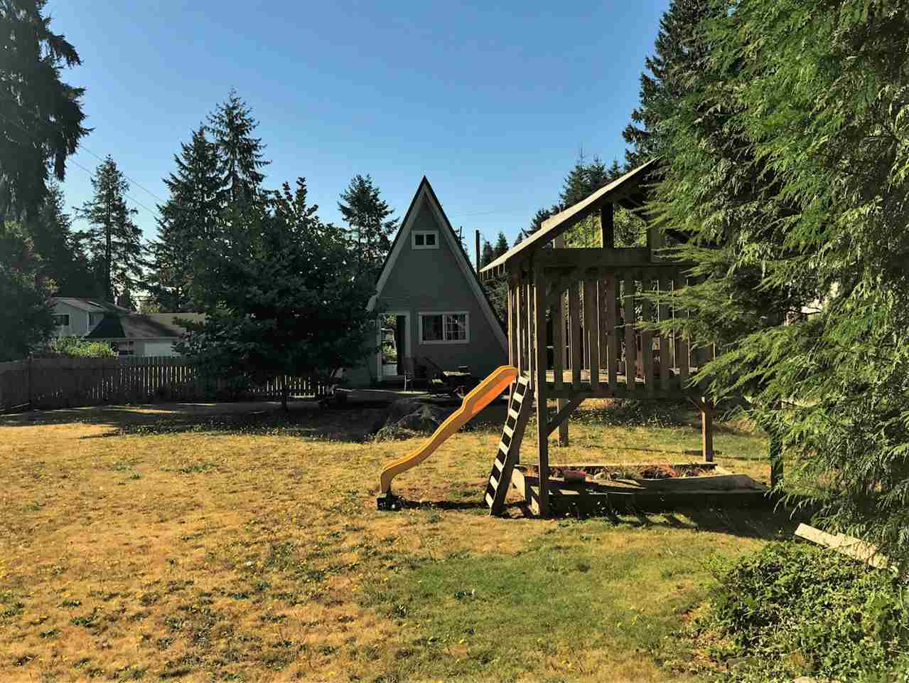 Photo 4: 1134 CHASTER Road in Gibsons: Gibsons & Area House for sale (Sunshine Coast)  : MLS® # R2205007