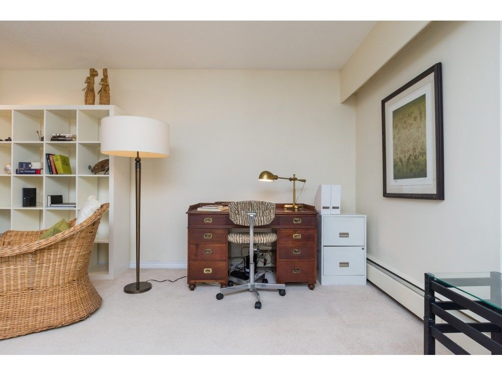 "Photo 13: Photos: 303 1322 MARTIN Street: White Rock Condo for sale in ""Blue Spruce"" (South Surrey White Rock)  : MLS® # R2220164"