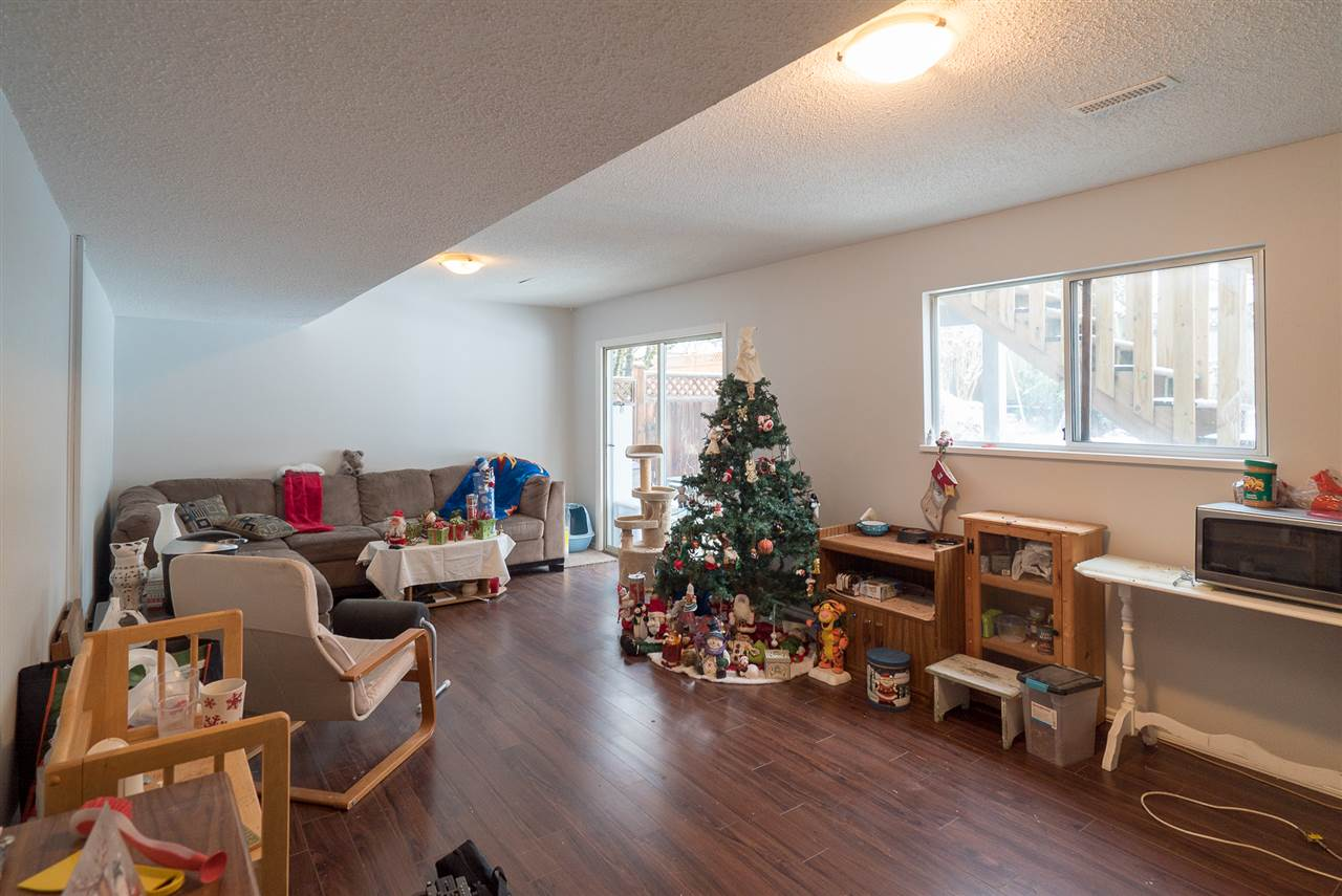 Photo 12: Photos: 21098 92B Avenue in Langley: Walnut Grove House for sale : MLS® # R2228893