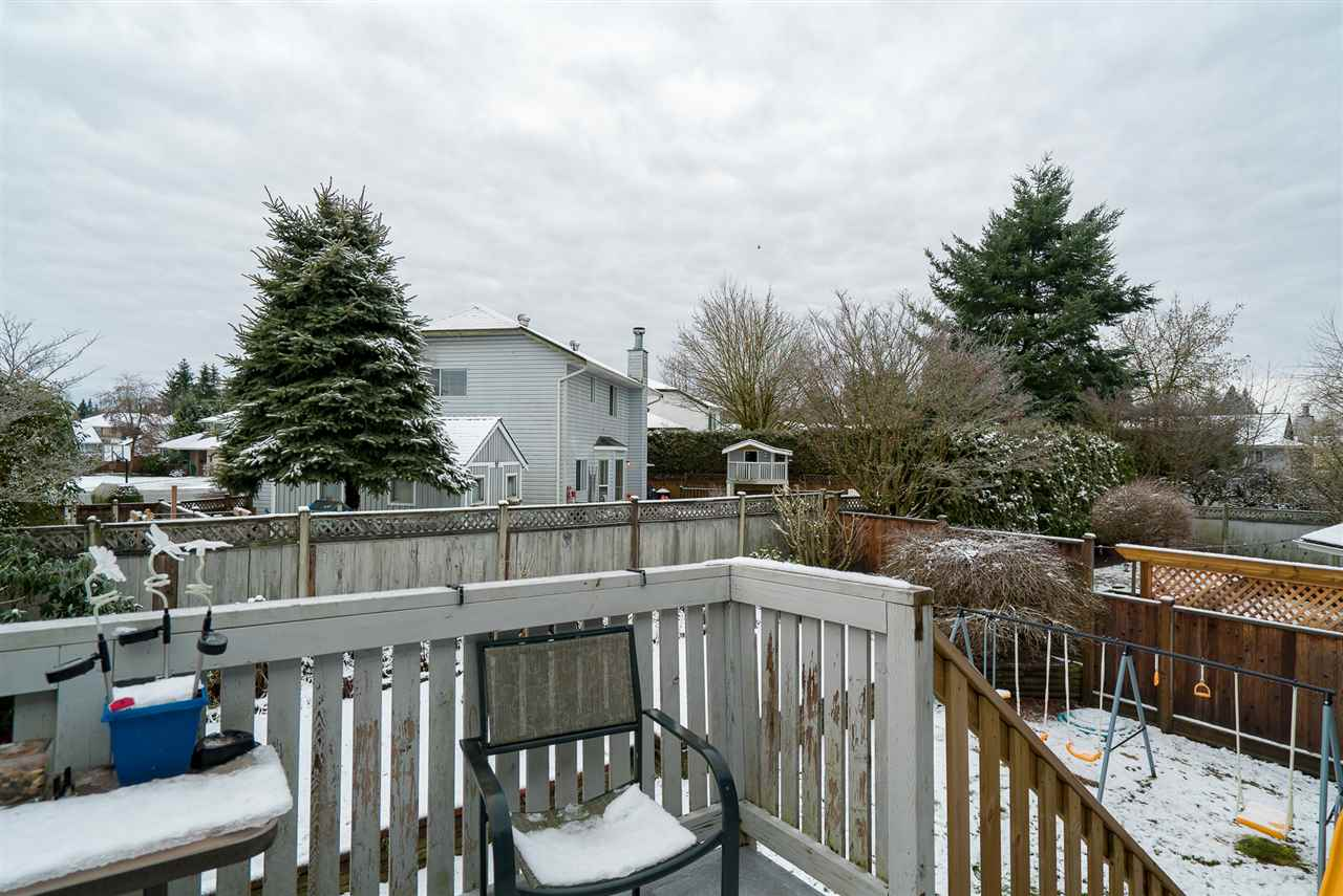 Photo 16: Photos: 21098 92B Avenue in Langley: Walnut Grove House for sale : MLS® # R2228893